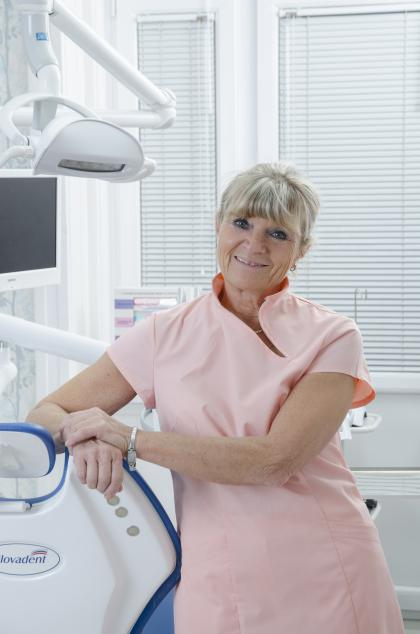 Dr. Gombos Lívia - Fogszabályozó szakorvos