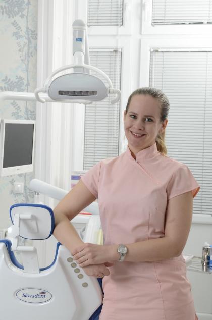 Dr. Szalontai Viktória Katalin - Fogszakorvos, szájsebész