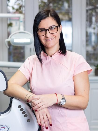 Balla Edina - Vezető fogászati asszisztens